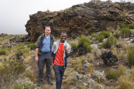 Onze gids Rama op Mount Kilimanjaro