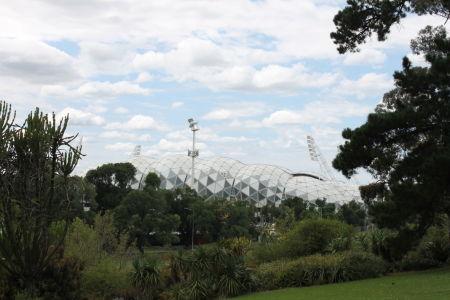 Het Olympisch stadion vanaf de Botanical Gardens