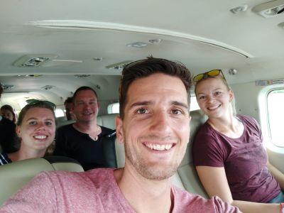 In het vliegtuig van Coastal Air