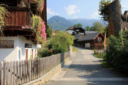 Een typisch Oostenrijks bergdorpje