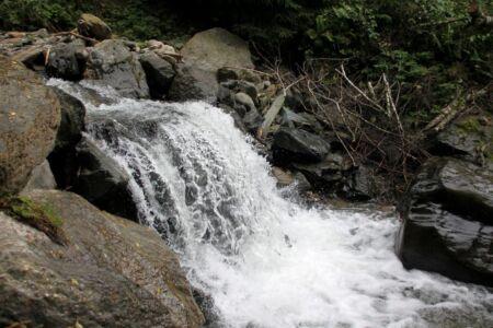 Overal zijn mini watervalletjes