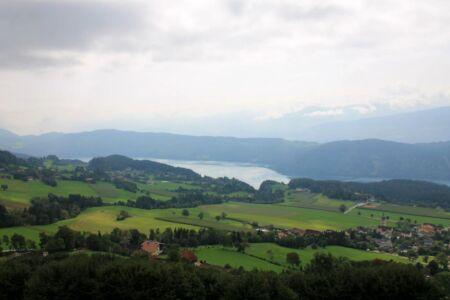 In Obermillstatt heb je een mooi uitzicht over de Millstattersee