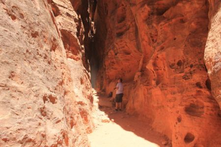 Kleintje in de gigantische canyon