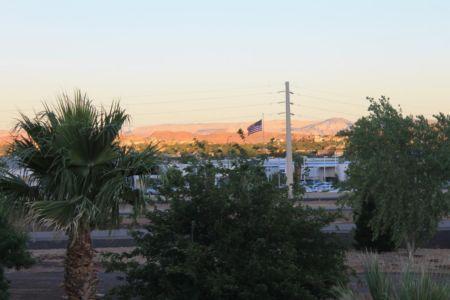 Uitzicht op de Red Cliffs vanuit ons hotel in St George