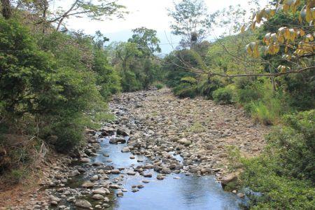 Uitzicht naar de Nauyaca Falls