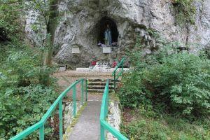 Herdenkplaats in Ojców National Park