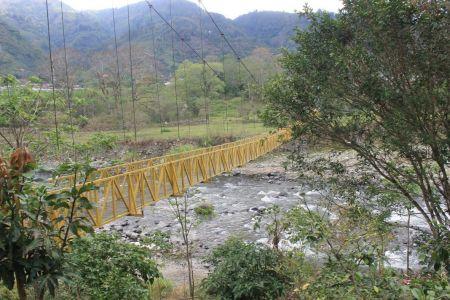 Hangbrug over de Reventazón rivier