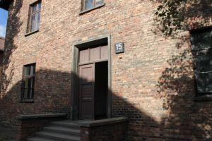 Ingang barak Auschwitz