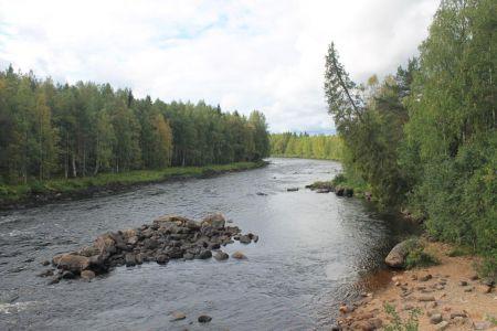 De Vikaköngäs rivier