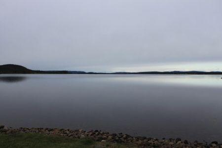 Het meer Vajkijaure