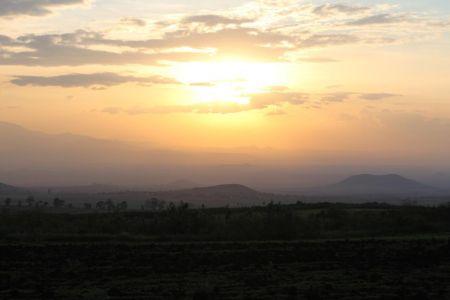 Sunset op de Simba Farm