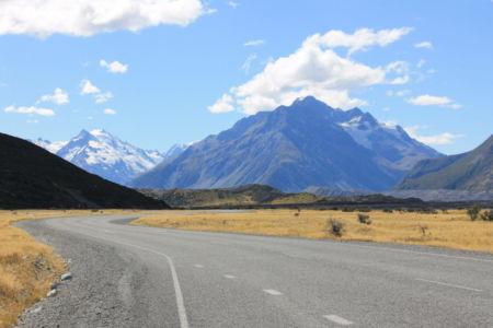 De weg door Mount Cook NP