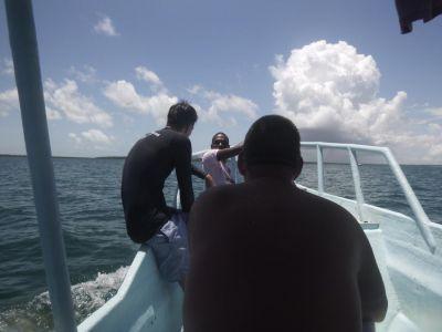 Terugvaren na het snorkelen in Chole Bay