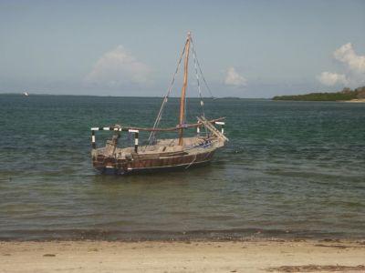 Authentieke Tanzaniaanse vissersboot