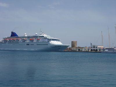 Cruiseschip haven Rhodos
