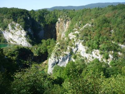 De bosachtige omgeving van de Plitvice Meren