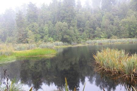 Toch een kleine weerspiegeling in Lake Matheson